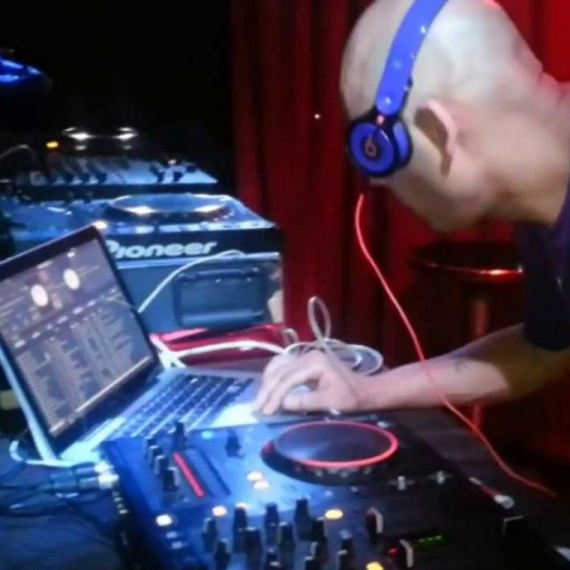 DJ Mr Blue